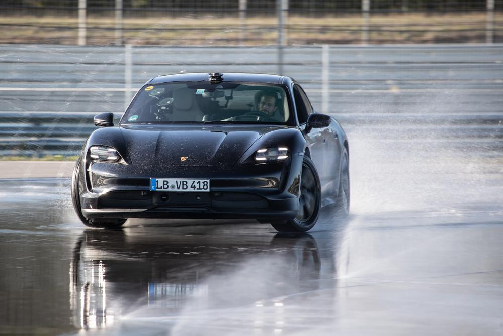 Porsche Taycan Récord Guinness