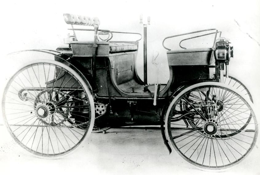Peugeot 130 años